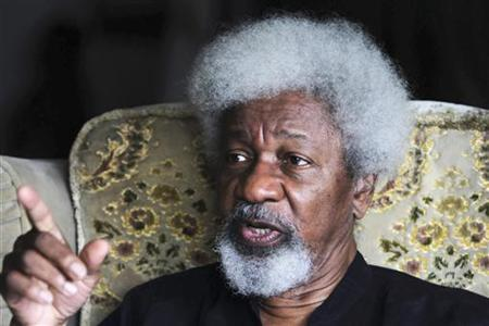 Author Wole Soyinka, who won the Nobel Prize for Literature in 1986, gestures during an interview in Lagos September 17, 2010. REUTERS/Akintunde Akinleye