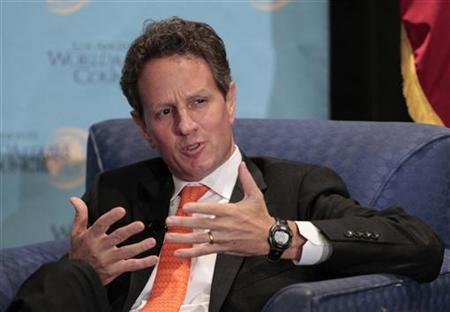 U.S. Treasury Secretary Timothy Geithner speaks during a panel discussion hosted by the Los Angeles World Affairs Council titled ''The U.S. and World Economies: An Overview'' in Los Angeles, California July 31, 2012. REUTERS/Mario Anzuoni
