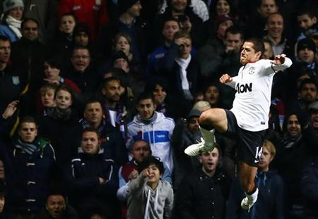 Manchester United's Javier Hernandez celebrates his goal against Aston Villa during their English Premier League soccer match at Villa Park in Birmingham, central England, November 10, 2012. REUTERS/Darren Staples