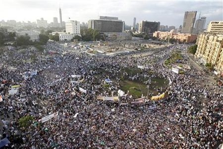 General view of a gathering by hundreds of Salafists for the enforcement of Islamic sharia law at Tahrir Square in Cairo November 9, 2012. REUTERS/Mohamed Abd El Ghany