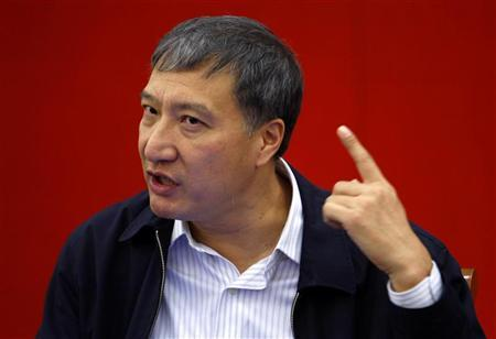 Director of the State Intellectual Property Office of China Tian Lipu answers a question during a news conference in Beijing October 18, 2007. REUTERS/Jason Lee