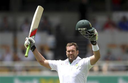 South Africa's Jacques Kallis celebrates his century against Australia during the first cricket test match at the Gabba in Brisbane November 11, 2012. REUTERS/Aman Sharma