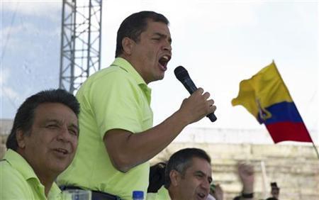 Ecuador's President Rafael Correa shouts during a rally announcing his re-election bid for February of 2013, in Quito November 10, 2012. REUTERS/Guillermo Granja (ECUADOR - Tags: POLITICS ELECTIONS)