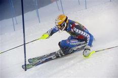 <p>Le Suédois Andre Myhrer a remporté dimanche le premier slalom de la saison de Coupe du monde masculine de ski alpin en s'imposant à Levi, en Finlande, après une deuxième manche parfaitement maîtrisée. /Photo prise le 11 novembre 2012/REUTERS/Markku Ulander/Lehtikuva</p>