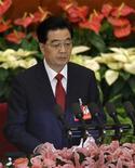 Presidente chinês, Hu Jintao, faz discurso durante a cerimônia de abertura do 18o Congresso Nacional do Partido Comunista, no Grande Salão do Povo, em Pequim. O discurso de abertura do presidente Hu Jintao no 18º Congresso do Partido Comunista chinês frustrou muitos ouvintes, mas um parágrafo em meio às 64 páginas agradou em cheio aos defensores de uma antiga experiência com consultas populares no país. 08/11/2012 REUTERS/Jason Lee