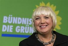 Co-leader of Germany's environmental Greens Party Claudia Roth addresses the media before a party board meeting in Berlin November 12, 2012. REUTERS/Tobias Schwarz (GERMANY - Tags: POLITICS)