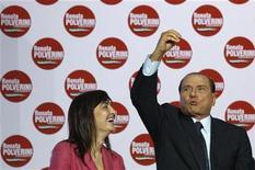 Renata Polverini con l'ex-premier Silvio Berlusconi. REUTERS/Alessandro Bianchi