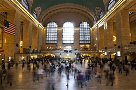 Commuters pass through Grand Central Terminal in New York, November 12, 2012. For hundreds of thousands of workers in New York City, the commuter chaos wrought by superstorm Sandy nearly two weeks ago transformed the trip to and from work into a grueling adventure. Many still set off hours earlier than usual or stay at work late to try to avoid excruciatingly long waits at bus stops or to beat the traffic jams. REUTERS/Andrew Burton