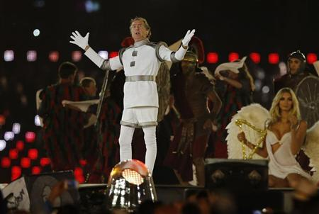British actor Eric Idle performs during the closing ceremony of the London 2012 Olympic Games at the Olympic Stadium, August 12, 2012. REUTERS/Chris Helgren