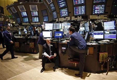Traders work on the floor of the New York Stock Exchange November 8, 2012. REUTERS/Chip East