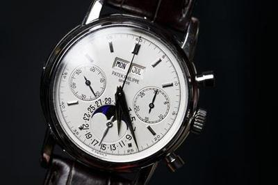 Clapton platinum watch nets $3.6 million at auction