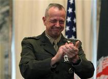General John Allen enfrenta investigação por suposta comunicação inadequada com mulher envolvida em escândalo com ex-diretor da CIA. 08/04/2012 REUTERS/Omar Sobhani