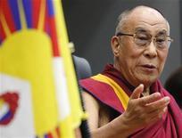 Líder espiritual tibetano Dalai Lama pediu a parlamentares japoneses que visitem sua região e que o governo chinês investigue dezenas de autoimolações de tibetanos. 13/11/2012 REUTERS/Yuriko Nakao