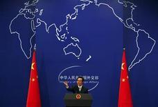 """<p>El portavoz del Ministerio de Relaciones Internacionales de China, Hong Lei, durante una conferencia de prensa en Pekín, jul 7 2011. China dijo el martes que respalda el intento palestino por obtener el estatus de """"miembro observador"""" ante Naciones Unidas en una votación que se realizará en la ONU más adelante este mes. REUTERS/David Gray</p>"""