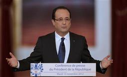 France's President Francois Hollande addresses a news conference at the Elysee Palace in Paris, November 13, 2012. REUTERS/Philippe Wojazer