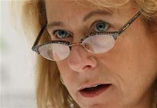 <p>Imagen de archivo de la presidenta ejecutiva de Anglo American, Cynthia Carroll, durante la cumbre de presidentes ejecutivos del G20 en Seúl, nov 10 2010. La producción total de cobre de Anglo American crecerá un 8,5 por ciento interanual en el 2012, hasta unas 650.000 toneladas, apoyada en un buen desempeño de su mina Los Bronces en Chile, dijo a Reuters el martes su presidenta ejecutiva, Cynthia Carroll. REUTERS/Aly Song</p>