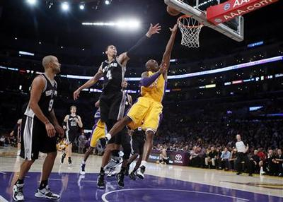 Spurs down Lakers ahead of D'Antoni arrival