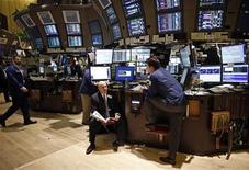 Operatori a lavoro. REUTERS/Chip East