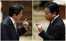 Combinação de fotos mostra premiê japonês, Yoshihiko Noda (D), e principal líder da oposição do Partido Liberal Democrático (PLD), Shinzo Abe, fala durante debate parlamentar em Tóquio. 14/11/2012 REUTERS/Kim Kyung-Hoon