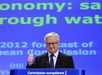 El comisario de Asuntos Económicos y Monetarios de la UE, Olli Rehn, realizará el miércoles por la tarde un comunicado sobre el procedimiento de déficit excesivo sobre España, dijo una fuente de la UE. En la imagen, Olli Rehn sdurante una rueda de prensa en Bruselas el 7 de noviembre de 2012 en Bruselas. REUTERS/Yves Herman