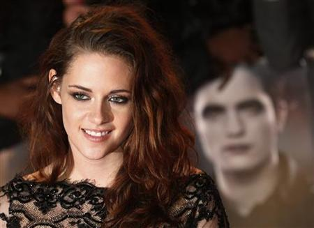 Actress Kristen Stewart arrives for the European premiere of ''The Twilight Saga: Breaking Dawn Part 2'' in London November 14, 2012. REUTERS/Suzanne Plunkett