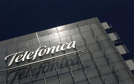 The logo of Spain's telecommunications giant Telefonica is seen at the company's headquarters in Madrid July 29, 2010. REUTERS/Susana Vera