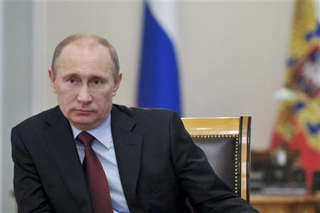 Russia's President Vladimir Putin chairs a meeting on the development of the Russian pensionary system at the Novo-Ogaryovo state residence outside Moscow, November 14, 2012. REUTERS/Aleksey Nikolskyi/RIA Novosti/Pool