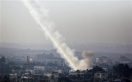 A rocket is seen after its launch from the northern Gaza Strip towards Israel November 15, 2012. REUTERS/Amir Cohen