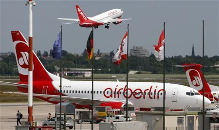 File photo of German carrier Air Berlin aircraft taking off at Berlin's Tegel airport, May 22, 2012. REUTERS/Fabrizio Bensch/files