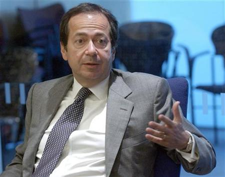 John Paulson, founder of New York-based hedge fund Paulson & Co., speaks at the Reuters Hedge Funds and Private Equity Summit in New York, September 7, 2005.