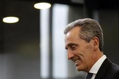 Il ministro dell'Economia italiano, Vittorio Grilli, a margine di una conferenza stampa. Francoforte, 26 settembre 2012. REUTERS/Alex Domanski