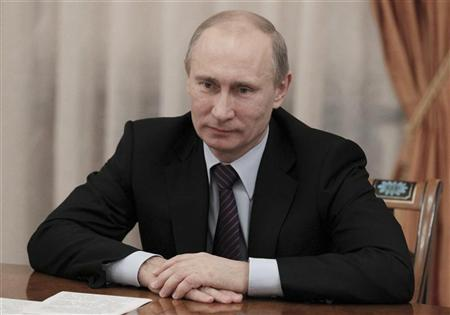 Russian President Vladimir Putin takes part in a meeting with small and medium business leaders at the Novo-Ogaryovo state residence outside Moscow November 15, 2012. REUTERS/Mikhail Klimentyev/Ria Novosti/Pool
