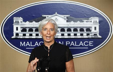 International Monetary Fund Managing Director Christine Lagarde gestures as she answers questions during a news briefing at the presidential palace in Manila November 16, 2012. REUTERS/Cheryl Ravelo