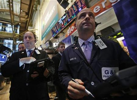Traders work on the floor of the New York Stock Exchange, November 15, 2012. REUTERS/Brendan McDermid