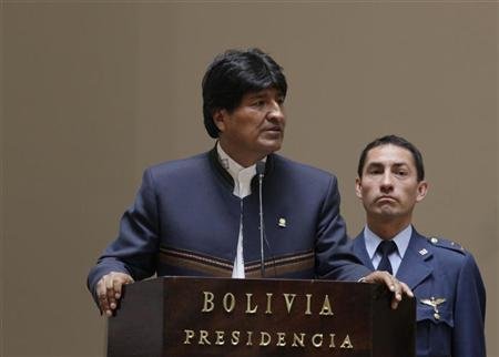 Bolivia's President Evo Morales speaks during a ceremony at the presidential palace in La Paz, October 23, 2012. REUTERS/David Mercado