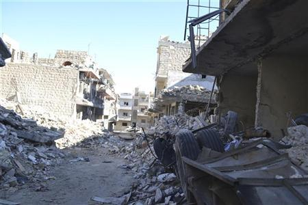 In war-torn Syria, secrets and double lives