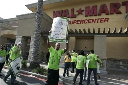 Wal-Mart files U.S. labor charge against union