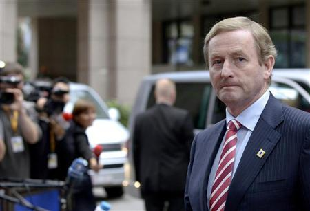 Ireland's Prime Minister Enda Kenny arrives to attend an EU summit at the European Council headquarters in Brussels October 18, 2012. REUTERS/Eric Vidal