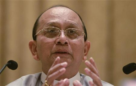 Myanmar's President Thein Sein talks during his first news conference since his re-appointment as head of the ruling party Union Solidarity and Development Party (USDP), at the presidential palace in Naypyitaw October 21, 2012. REUTERS/Soe Zeya Tun