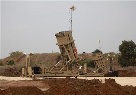 An Iron Dome rocket shield battery is deployed near Tel Aviv November 17, 2012. REUTERS/Daniel Bar-On