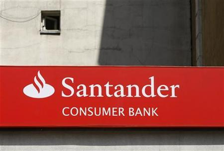 A Santander logo is seen at a branch of Spain's largest bank in Warsaw May 23, 2012. REUTERS/Kacper Pempel