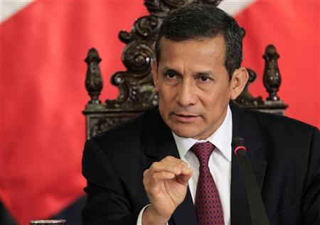 Peru's President Ollanta Humala talks to foreign journalists during a conference at the government palace in Lima, September 12, 2012. REUTERS/Enrique Castro-Mendivil