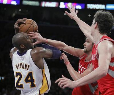 Lakers ground Rockets without D'Antoni