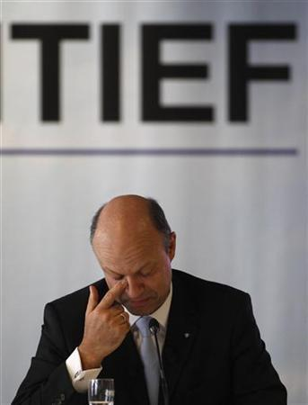 CEO of Hochtief AG, Frank Stieler gestures during the annual news conference in Duesseldorf February 29, 2012. REUTERS/Ina Fassbender (GERMANY - Tags: BUSINESS ENERGY)