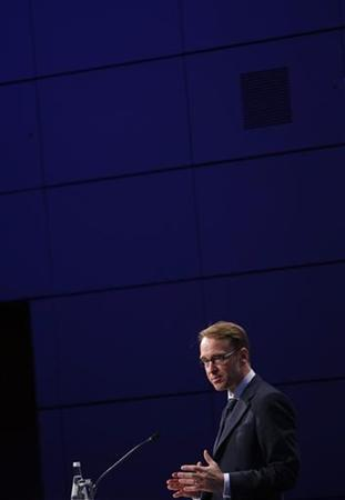 President of German Bundesbank Jens Weidmann speaks on the podium during the Frankfurt Euro Finance Week in Frankfurt November 19, 2012. REUTERS/Lisi Niesner (GERMANY - Tags: BUSINESS)