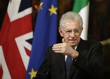 Il premier Mario Monti. REUTERS/Tony Gentile