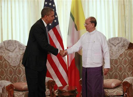 U.S. President Barack Obama (L) shakes hands with Myanmar's President Thein Sein during their meeting in Yangon November 19, 2012. Obama became the first serving U.S. president to visit Myanmar on Monday, trying during a whirlwind six-hour trip to strike a balance between praising the government's progress in shaking off military rule and pressing for more reform. REUTERS/Jason Reed