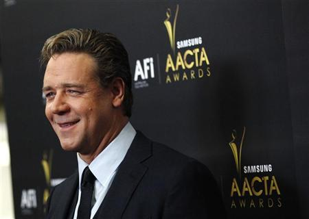 Actor Russell Crowe poses at the Australian Academy of Cinema and Television Arts Awards in West Hollywood, California January 27, 2012. REUTERS/Mario Anzuoni