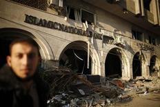 <p>A Gaza. Au septième jour du conflit entre Israël et les islamistes du Hamas dans le territoire palestinien, les efforts de la diplomatie internationale pour faire taire les armes se poursuivaient mardi autour du président égyptien Mohamed Morsi. /Photo prise le 20 novembre 2012/REUTERS/Suhaib Salem</p>