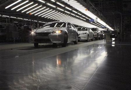 The new Lexus 2013 ES vehicles undergo inspection at a Toyota plant in Miyawaka, southern Japan July 6, 2012. REUTERS/Yoko Kubota